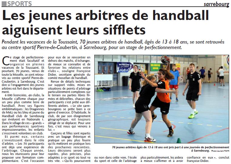 Les jeunes arbitres de handball aiguisent leurs sifflets