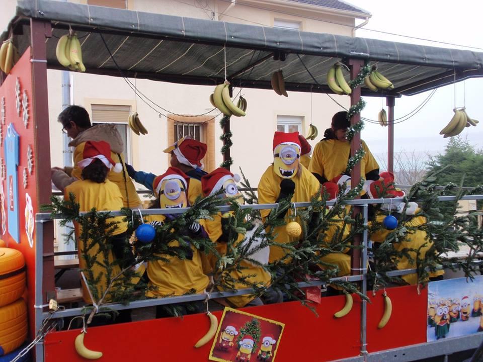 Char du FVH durant le défilé de la Saint-Nicolas de Serémange-Erzange de 2015