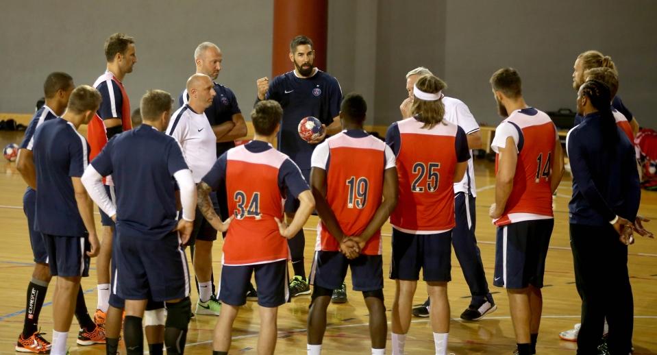 Les joueurs du PSG handball à l'entraînement